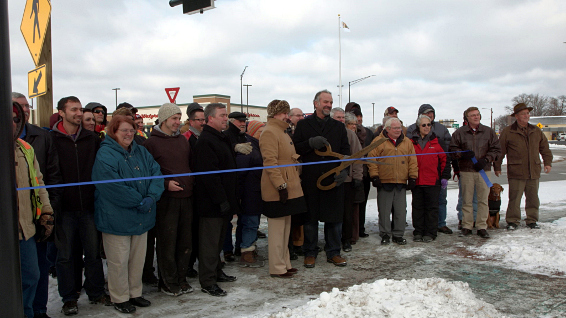 Ribbon Cut Round
